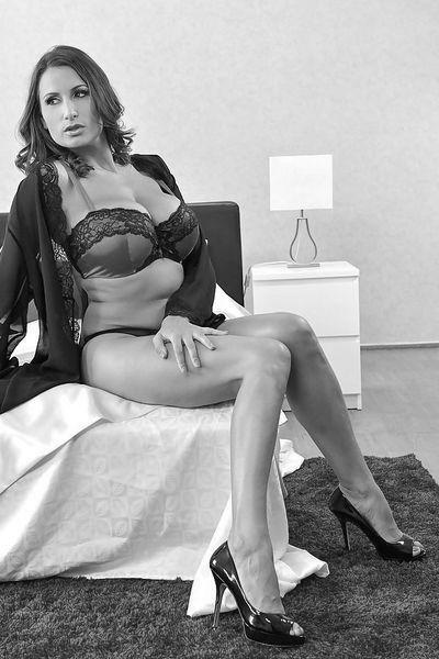 So welcher schlanke Verehrer möchte diese private Rubensfrau bumsen?