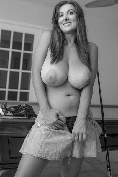 Welcher gepflegte Gleichgesinnte will jetzt die frivole Ehefrau befummeln?